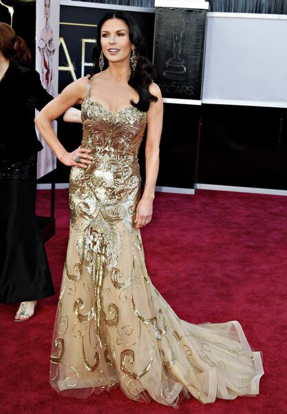 Кэтрин Зета-Джонс в платье Zuhair Murad и украшениях Lorraine Schwartz на 85-й церемонии вручения премии Оскар