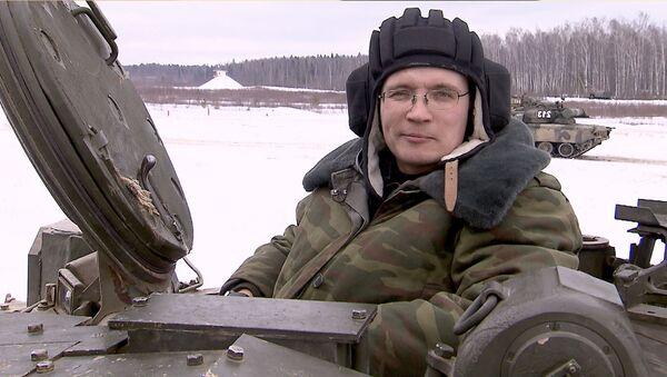 Из журналиста в танкисты, или Как освоить управление Т-80 за один день