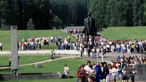 Памятник жертвам фашизма в Хатыни