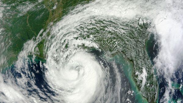 Тропический шторм из космоса. Архивное фото