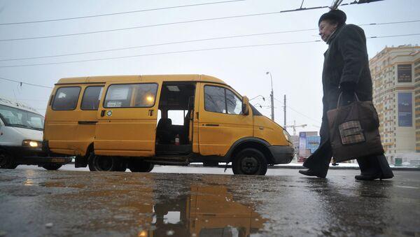 Маршрутное такси. Архивное фото