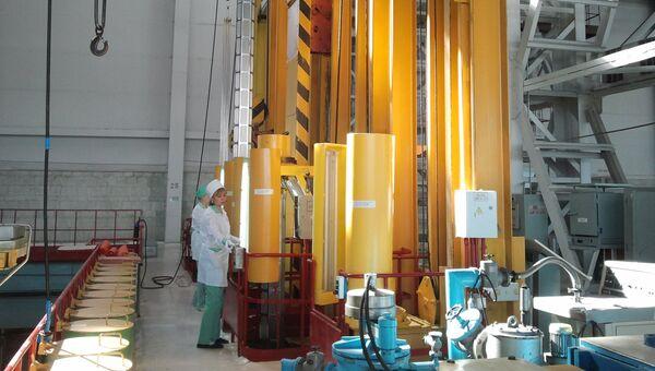 Производство топлива для атомных электростанций на Новосибирском заводе химических концентратов. Архивное фото