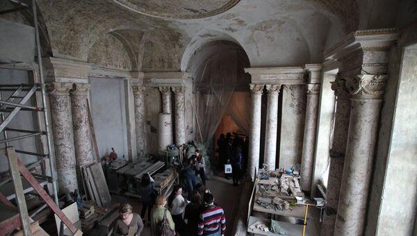 Реставрационные работы. Архивное фото