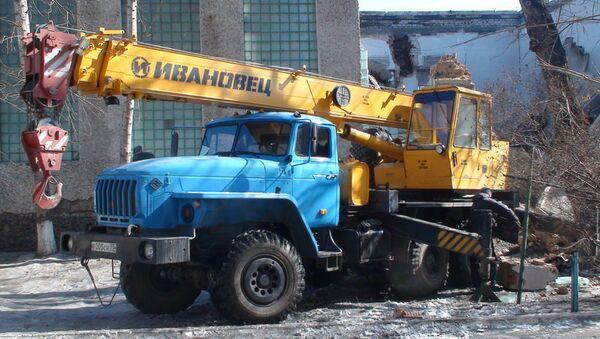 Демонтаж конструкций рухнувшего в Чите спортзала