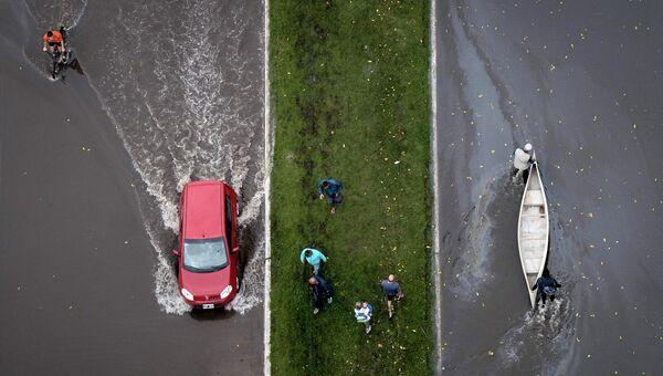 Затопленная улица в Ла-Плате