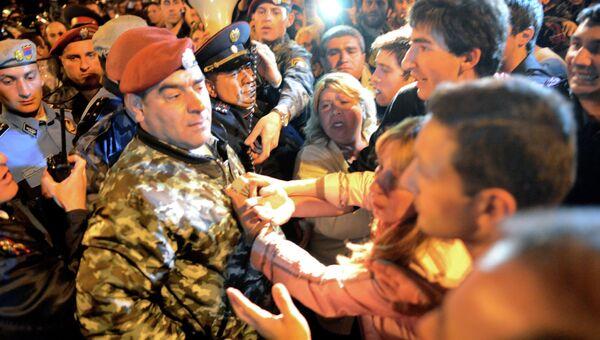 Столкновения сторонников Ованнисяна с полицией в Ереване
