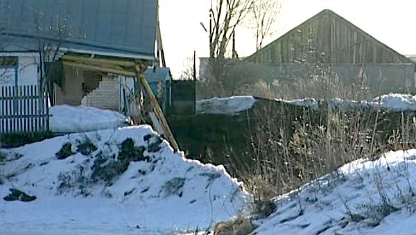 Несколько зданий сползли в грунтовый провал в Нижегородской области