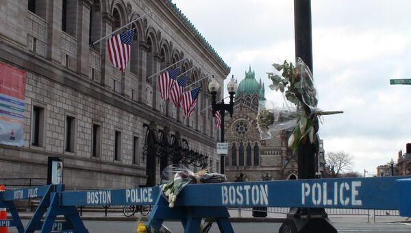 Бостон почтил память жертв теракта минутой молчания