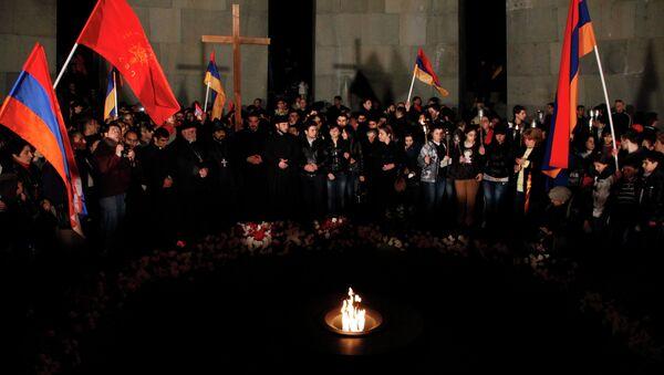 Факельное шествие в память жертв геноцида в Армении, архивное фото