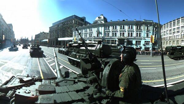 Генеральная репетиция парада Победы. Панорамная съемка с брони танка Т-90