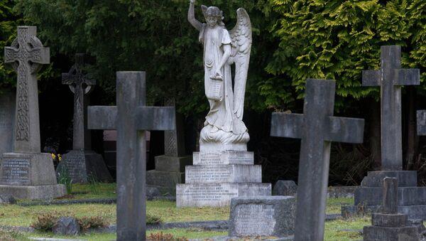 Кладбище, архивное фото.