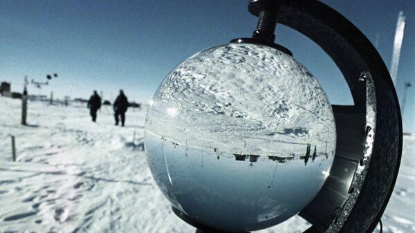 Японцы создали передвижной дом для исследователей Антарктики и Луны