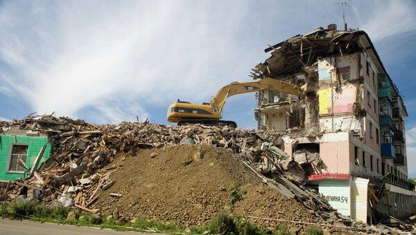 Демонтаж аварийного жилья. Архивное фото
