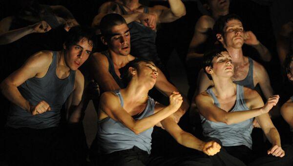 Израильская труппа Батшева Данс представит гага-танцы в Москве