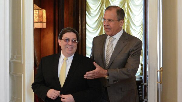 Глава МИД Кубы Бруно Родригес и министр иностранных дел РФ Сергей Лавров. Архивное фото