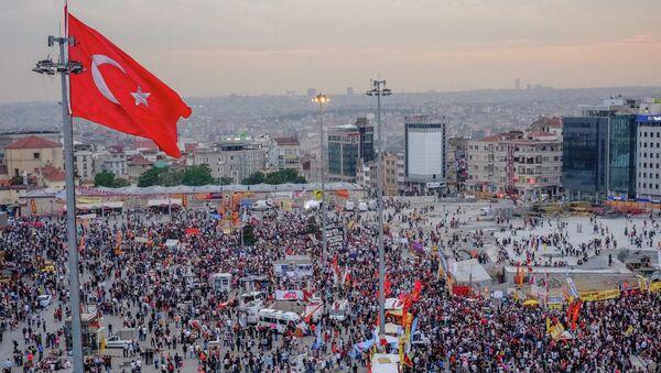 Антиправительственные выступления против исламизации Турции