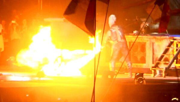 Солист Rammstein с огнеметом зажигал на фестивале Рок над Волгой