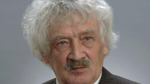Директор Новосибирского зоопарка Ростислав Шило, архивное фото