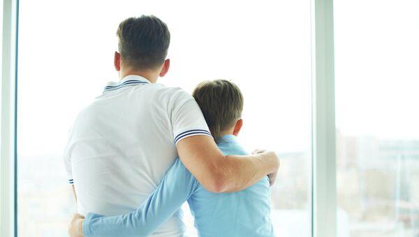 Отец с сыном. Архивное фото