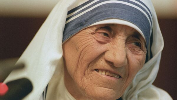 Настоятельница Ордена милосердия мать Тереза, архивное фото