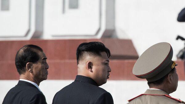 Руководитель КНДР Ким Чен Ын (второй слева) в Пхеньяне, Архивное фото