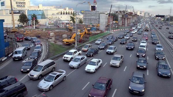 Пробка на Ленинградском шоссе в Москве. Архивное фото