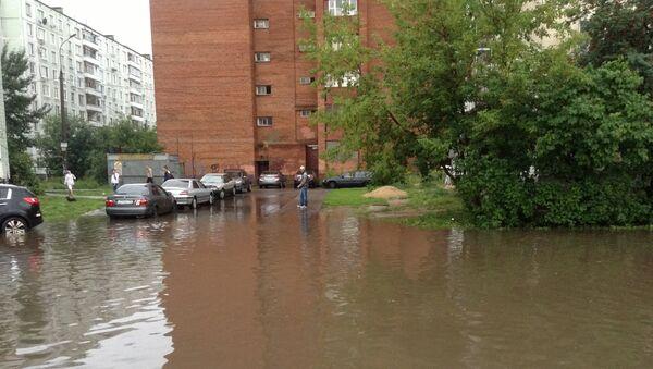 Последствия проливного дождя в Москве
