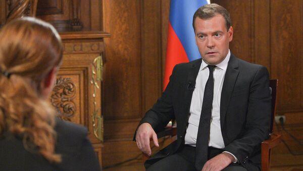 Д.Медведев дал интервью телекомпании Рустави 2