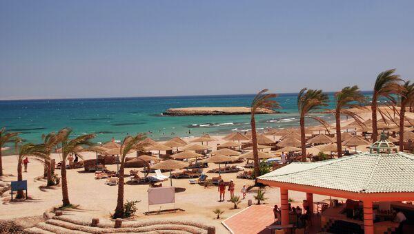 Пляж отеля в Египте, архивное фото