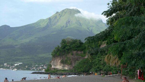 Вид на вулкан Мон‑Пеле