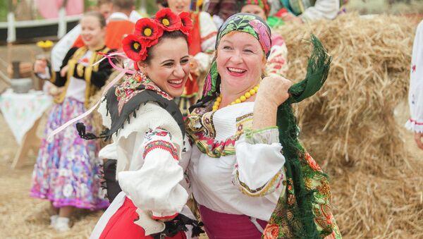 Казачий фестиваль Легенды Тамани прошел в Кубанской Атамани