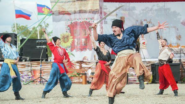 Казачий фестиваль Легенды Тамани. Архивное фото