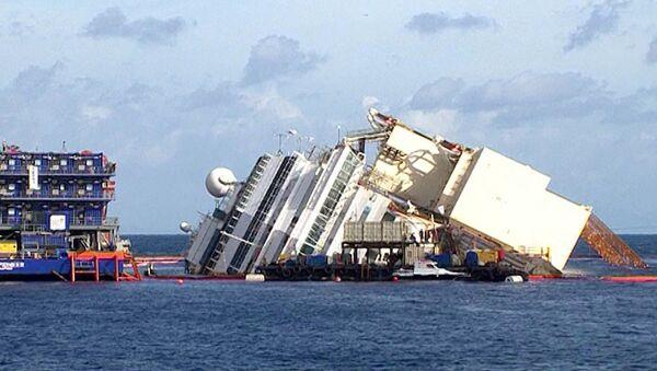 Кадры операции по подъему затонувшего в Италии лайнера Costa Concordia