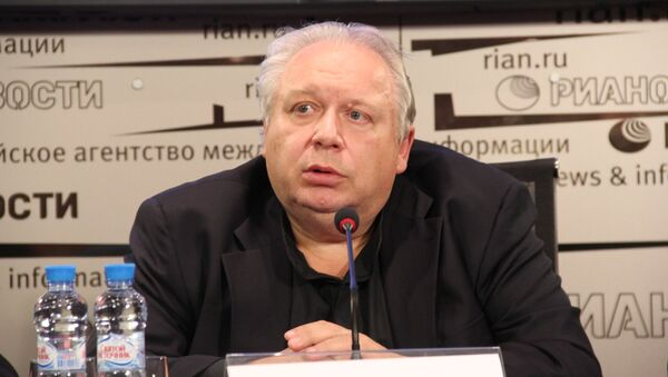 Дирижер Александр Титов на пресс-конференции в РИА Новости Санкт-Петербург 25 сентября