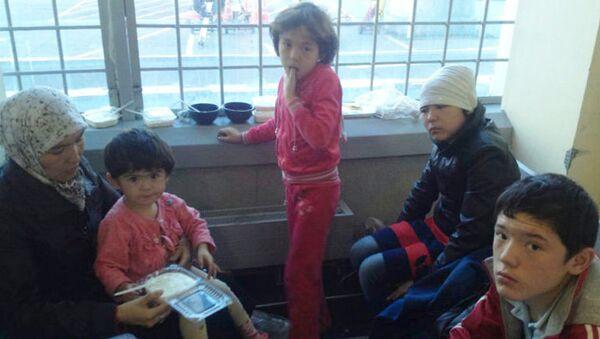 Дети-беженцы из Узбекистана живут в Домодедово четвертый день. Фото с места события