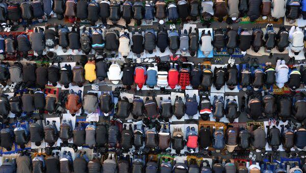 Мусульмане в день праздника. Архивное фото