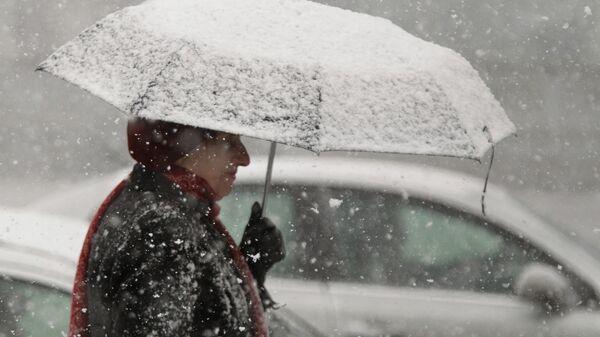 Первые снегопады в регионах России