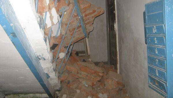 Обрушение стены жилого дома в удмуртском поселке Игра, фото с места событий