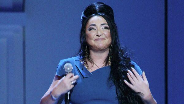 Певица Лолита Милявская выступает на Рождественских встречах Аллы Пугачевой