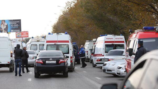 Автомобили Скорой помощи на месте взрыва пассажирского автобуса в Красноармейском районе Волгограда. Архивное фото
