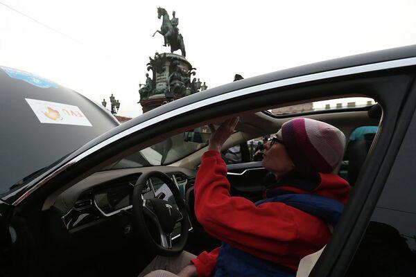 Старт ралли электромобилей по маршруту Петербург - Монте-Карло