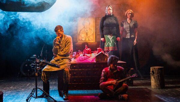 Сцена из спектакля Андрей Иванович возвращается домой
