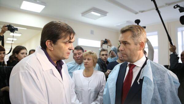 Павел Астахов и главврач больницы им. Семашко в Самаре Максим Карпухин