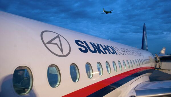 Самолет Superjet 100, архивное фото