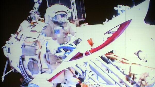 Во время выноса Олимпийского факела в открытый космос