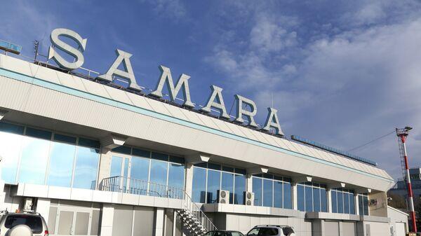 В Самаре из-за смерти пассажира вынужденно сел самолет