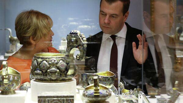 Д.Медведев на выставке в Музее Фаберже в Санкт-Петербурге