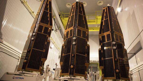 Спутники Swarm перед запуском с помощью ракеты Рокот
