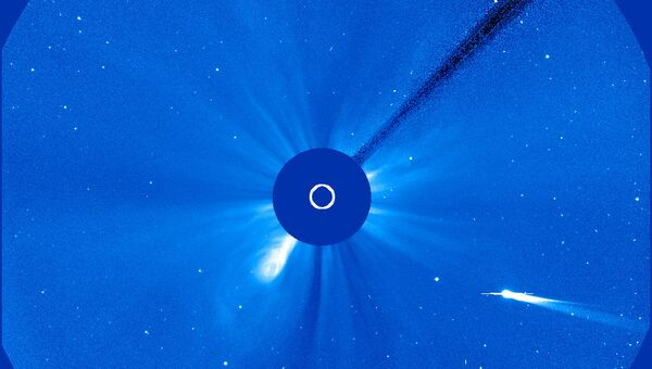 Комета ISON на снимке с космической солнечной обсерватории SOHO