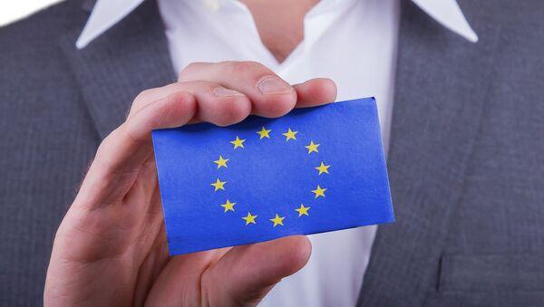 Визитка с флагом ЕС. Архивное фото